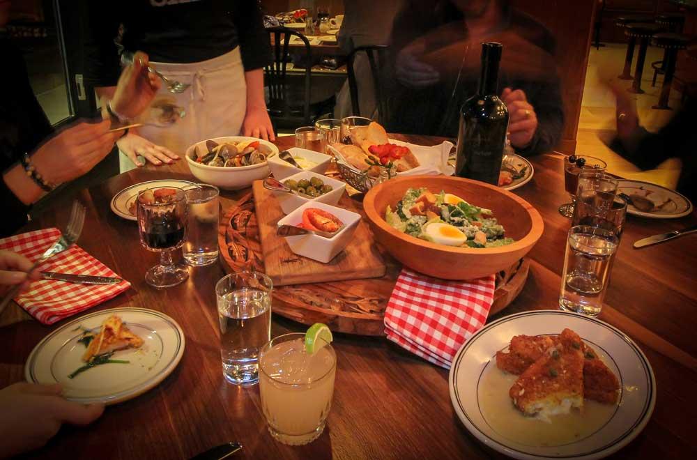 salvatore scallopini italian restaurant image